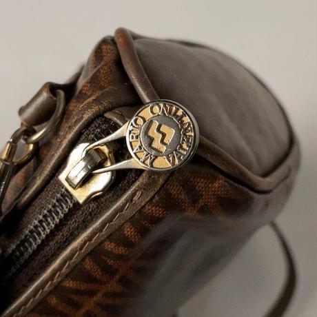 VALENTINO オールドヴァレンチノのミニミニショルダーバッグ  幅約18cmの小さめポシェット ヴィンテージバレンチノ