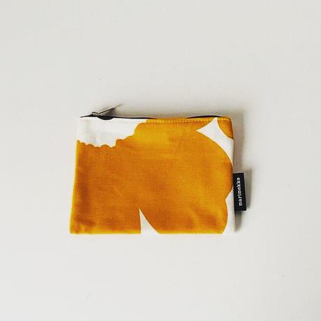 marimekko  マリメッコ  ウニッコ  マチ無しポーチ 21cm  ダークイエロー/白  好配色 好柄 好サイズ  山吹色 マンゴー 中古美品