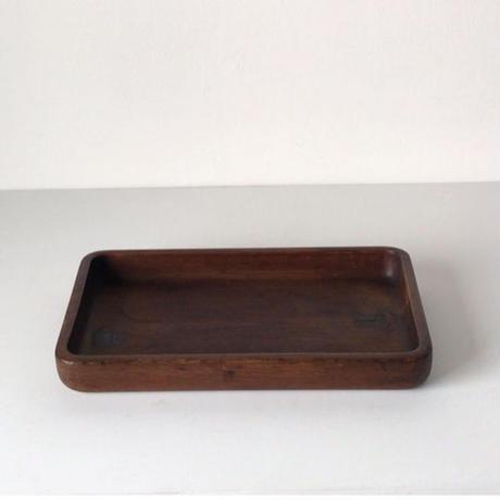 肥松の角盆(長方盆)  松無垢材  木目・節・ヤニが好バランスのくり抜き盆です、厚みと重み十分の希少材、コンデイションも良好です。煎茶道具 幅約35cm