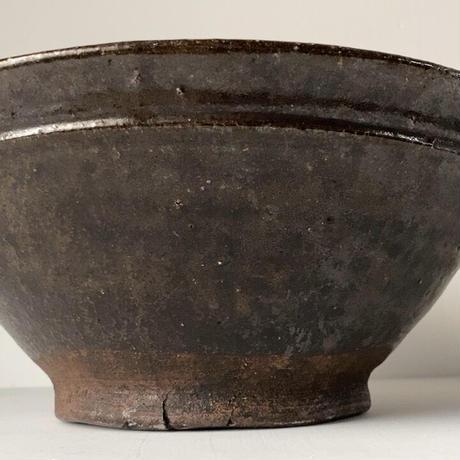 古い大きな すり鉢  幅約36cm  片口 黒釉  巨大摺鉢 古民具 古民藝 メダカ鉢 水栽培 ビオトープ  ジャンク 訳有