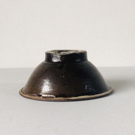 古いやちむん 5寸ワンブー (茶碗・中鉢) 内 紺茶 点打  民藝 沖縄 焼物 うつわ 器 好配色 美品