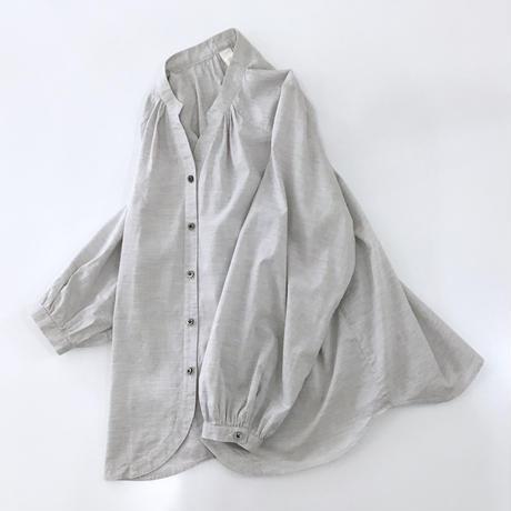 organic cotton spring P blouse  (light gray x black button)