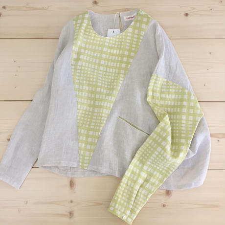 asymmetric triangle tops / yellow check