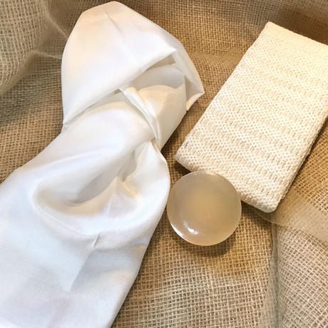 国産生糸(シルク)100%ボディタオル(左)