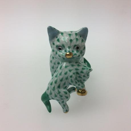 【ヘレンド】人形 VH   仔猫を運ぶ猫 グリーン 05551-0-00