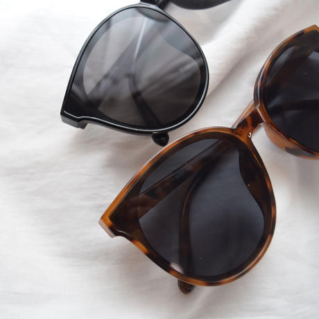 [ RE-ARRIVAL ]Cat Eye Sunglasses