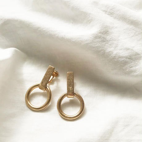 Ring Gold Earring