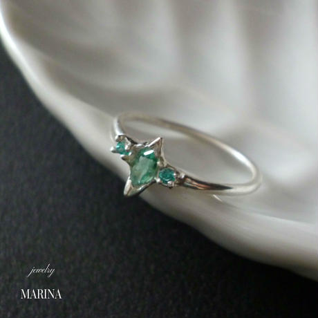 Emerald pinkie ring - エメラルドのピンキーリング