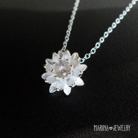 Lotus 蓮の花のネックレス - silver -