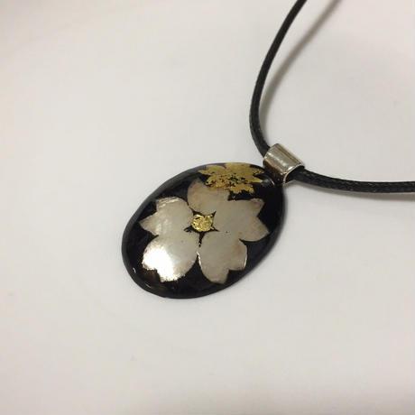 漆塗りのネックレス - silver