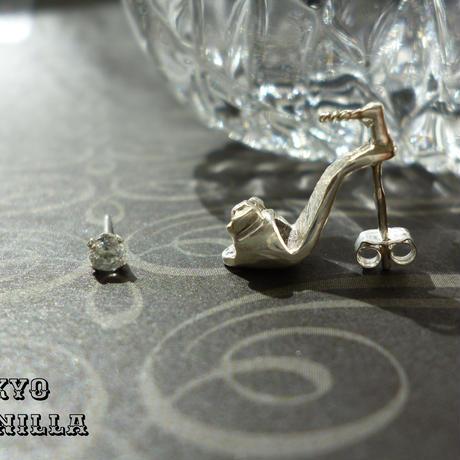 シンデレラの靴 - ストラップつきsilverピアス&トパーズ2点set(両耳用) - E