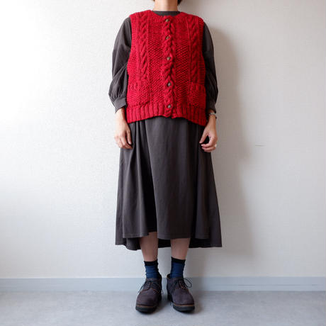 【hand knit】TIGRE BROCANTE (ティグルブロカンテ)/wool knit vest/red