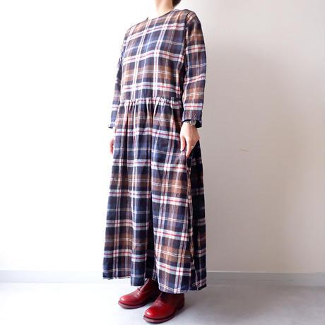 UNIVERSAL TISSU (ユニバーサルティシュ)/ロングスリーブギャザーチェックドレス/brown check