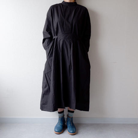 CAERULA (カエルラ)/typewriter cloth tuck one-piece/black