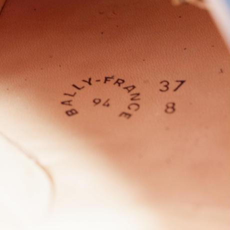 5dc27331b2f6fd32d2a4a7b5
