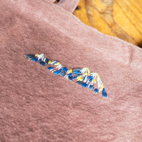 山刺繍トート