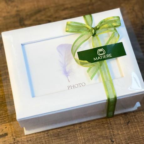 【豪華8種のプリザーブドフラワー】想い出を彩るフォトBOX♪お花の贈り物