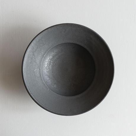 船串篤司 黒釉リム深皿24φ