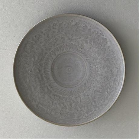 生形由香 陽刻花紋7寸皿