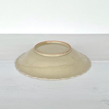 安齋新厚子 米色青磁輪花7寸皿