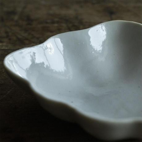 安齋新厚子 白磁てふてふ豆皿