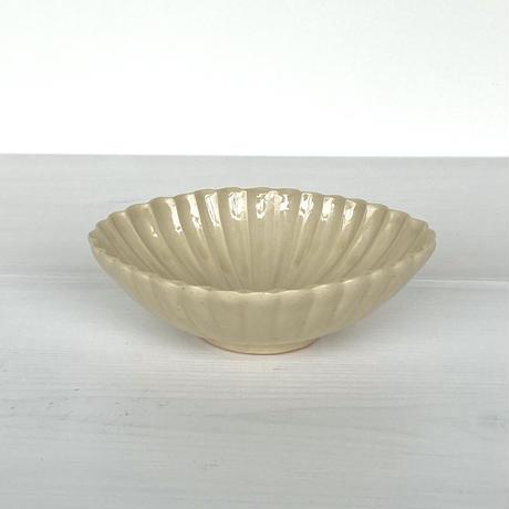 安齋新厚子 米色青磁菱形菊小鉢