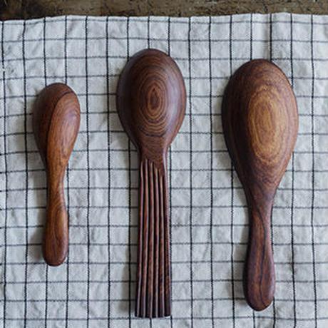 ヨーガンレール ババグーリ カトラリー(写真1枚目 左)