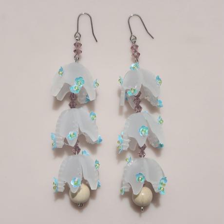 snow   drop  white  (pierce   earring)