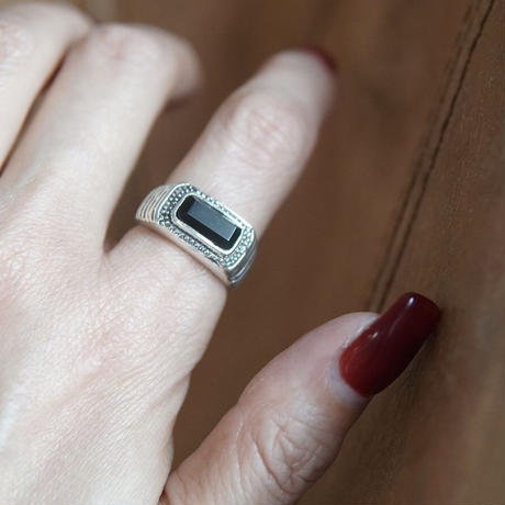 classical_style_ring