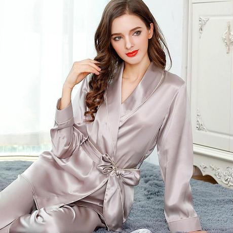 (MAYUDAMAシルク)シルク100% シルク パジャマ 長袖 トラックスーツ 優雅 上下セット 保温 保湿 快適 快眠 美肌 レディース <シャンパンシルバー>