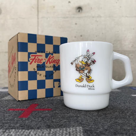 "【MADE BY SEVEN -REUSE-  Archives 2013年】 Fire-King stancking mug ""native american Donald Duck"""