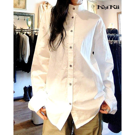 KMRii ・ケムリ・  Cotton  Satin Stand Collar Shirt・白シャツ・バックストライプ
