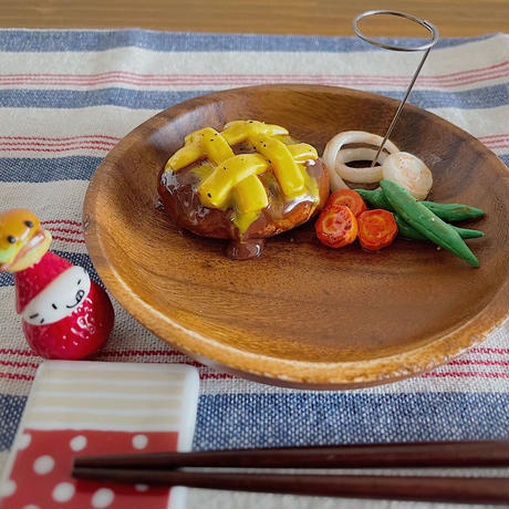 チーズハンバーグプレート 小物トレー兼ペンスタンド 机上の空腹