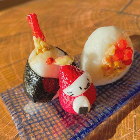 鮭イクラおにぎり&天むすの苺ぼうや 秋の味覚オブジェ