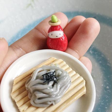 苺ぼうやマスコット/お蕎麦やさん