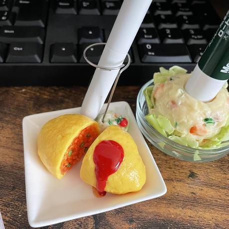 ポテサラ|ペンスタンド|机上の空腹