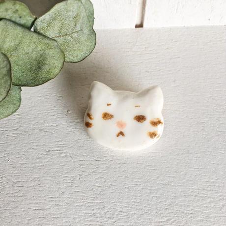 ゆるい猫|単色|ブローチ