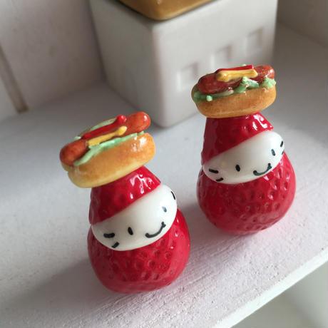 ホットドックの苺ぼうやマスコット