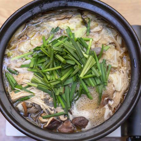 大山鶏の醤油ちゃんこ(大山鶏  大増量) 4〜6人前