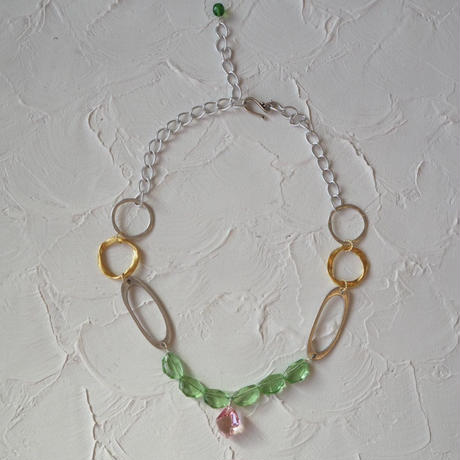 Pono'i glass necklace