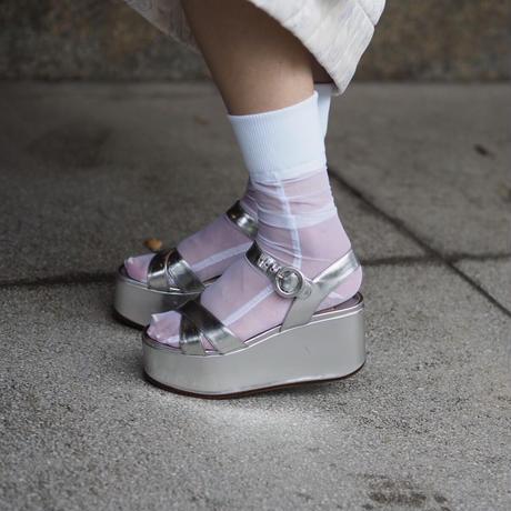 SIMONE WILD net cuff socks