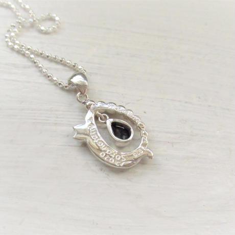 Huruhuru soranotane-滴のリース-  Only One Necklace
