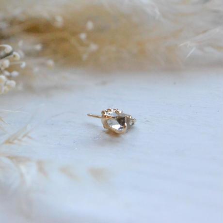 金の滴ふるふる Only One Herkimar Diamond  K18YG 一粒Pierced-8-
