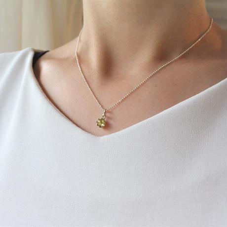 Milk Clown Necklace -Peridot/cabos-