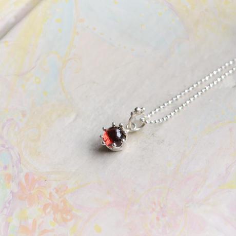 Milk Crown Necklace -Garnet/Cabos-