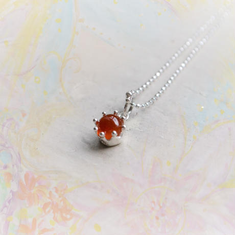 Milk Crown Necklace -Carnerian-