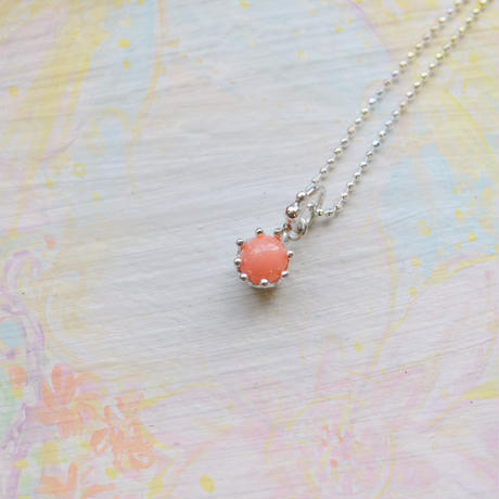 Milk Crown Necklace -Pink Coral-