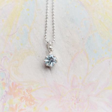 Milk Crown Necklace -Aqamarine/cut -