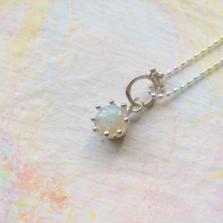 Milk Crown Necklace -Opal-