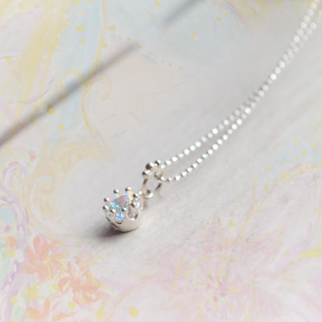 Milk Crown Necklace -Mystic cubic zirconia-